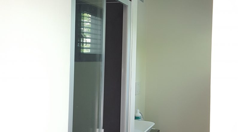 Casa in bioedilizia - dettaglio su bagno