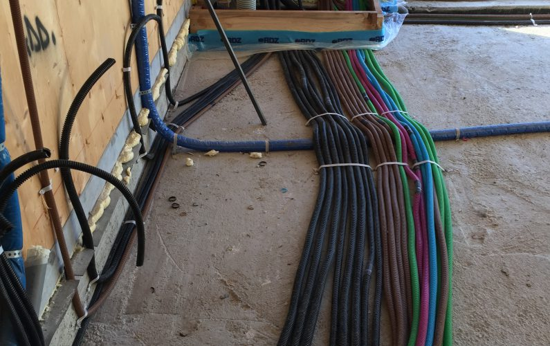 Casa in bioedilizia a Vigheffio - messa a terra tubi - foto 1