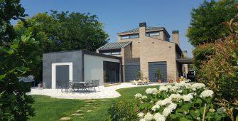 Costruzione tradizionale - architettura moderna - vista da giardino