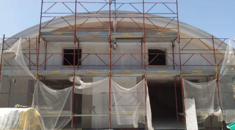 tetto con ponteggio